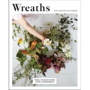 Wreaths: Fresh, Foraged & Dried Floral Arrangements
